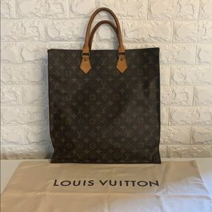 Authentic Louis Vuitton Sac Plat EUC